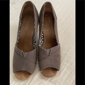 Grey Toms wedges size 9